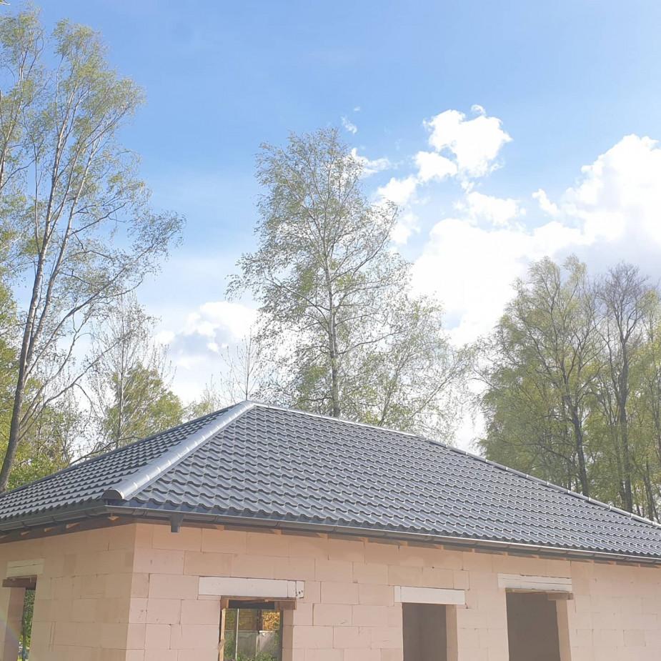 Skelbimo Stogų darbai ir kiti statybos darbai. Naujus bei renovuojam senus - atliekam pilna stogo skardinimo , lietaus sistemos, pakalimo, stogo šiltinimo darbus. nuotrauka