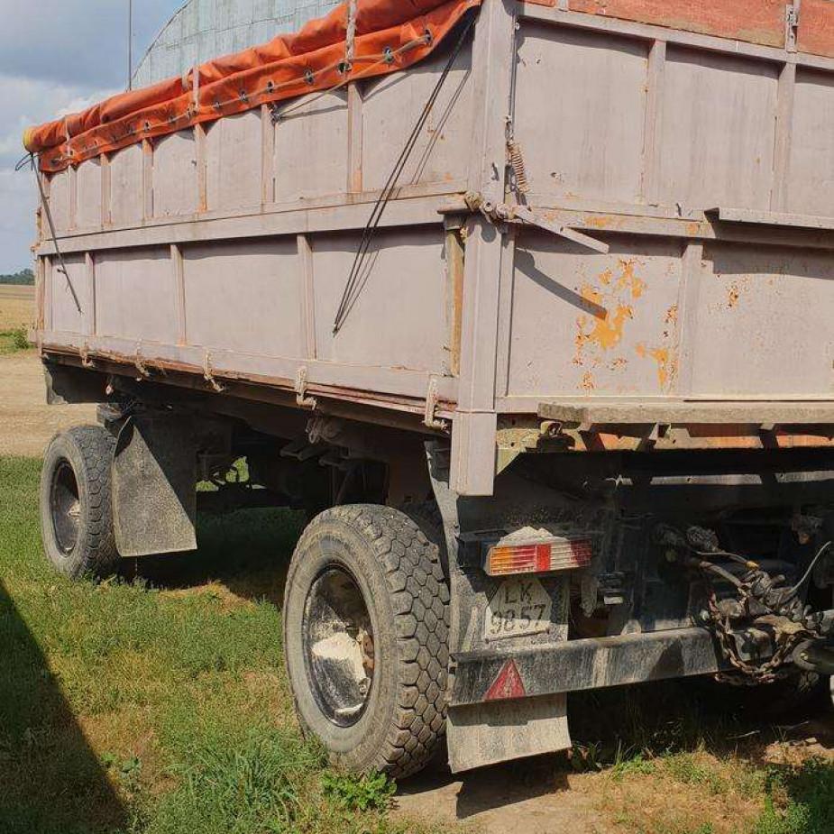 Skelbimo Pirkciau traktorine Priekaba nuo 4 iki 13t.Siulyti ivairius variantus. nuotrauka